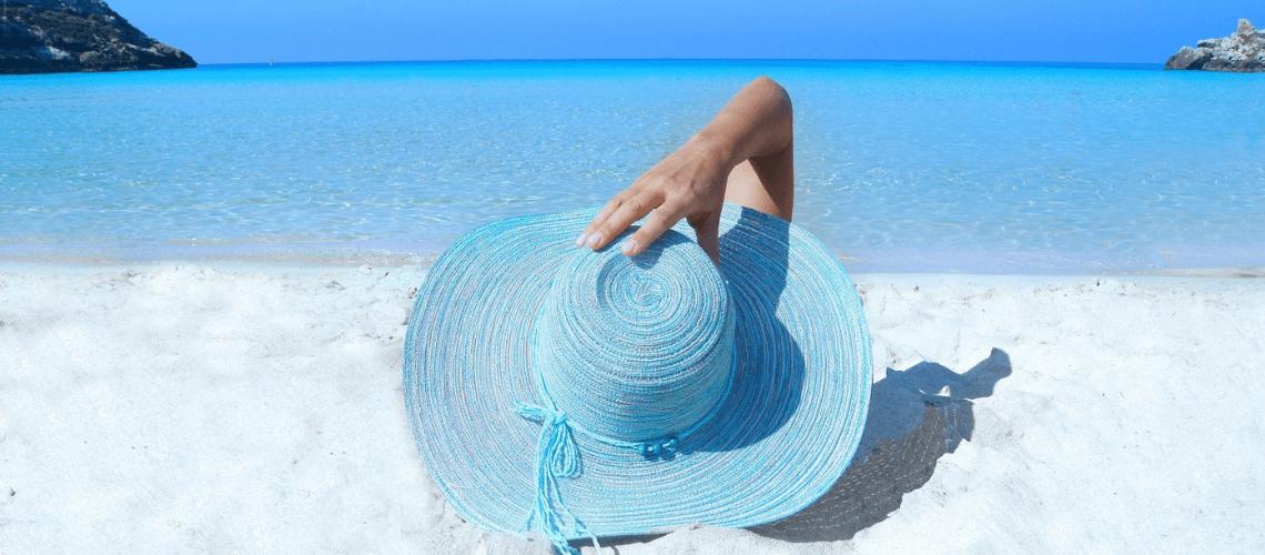 O que levar para praia: 37 itens que não podem faltar